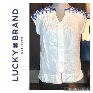 *Rare* Lucky Brand Embroidered Top *NWOT* 🤩